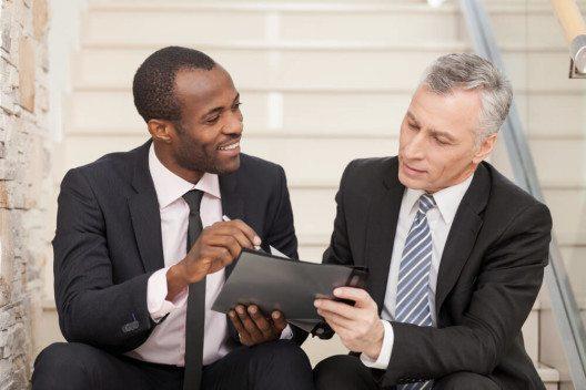Pflegen Sie eine aktive Kommunikation mit dem Prüfer, das kann Kosten sparen. (Bild: © BlueSkyImage - shutterstock.com)