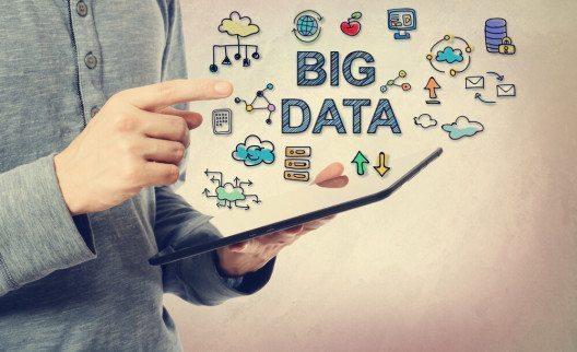 Der Umgang mit BigData soll im X-Lab gelernt werden. (Bild: © Melpomene – Shutterstock.com)