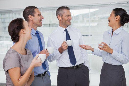 Der Kaffee ist aus dem Unternehmensalltag nicht mehr wegzudenken. (Bild: wavebreakmedia – Shutterstock.com)