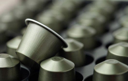 Die Kapselvariante hat einen grossen Nachteil: Durch sie entsteht sehr viel Müll. (Bild: AlexZaitsev – Shutterstock.com)