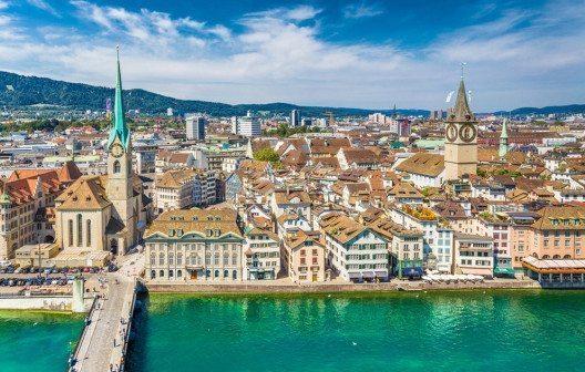 Zürich nimmt Rang 3 der teuersten Städte der Welt ein. (Bild: canadastock – Shutterstock.com)