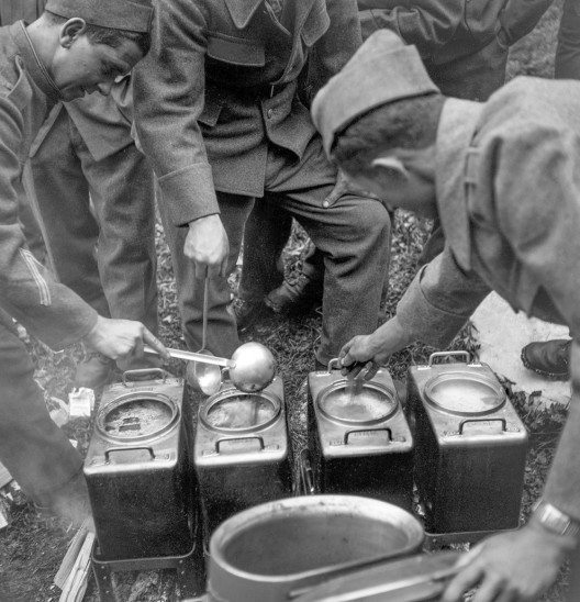 Die MV zahlte zwischen 1940 und 2015 insgesamt 46,1 Millionen Franken an die Ölsoldaten. (Bild: Suva)