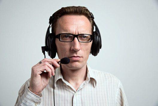 Telefonbetrug nimmt zu (Bild: © Karpova – Shutterstock.com)